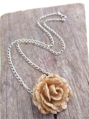 PINK SAND ROSE NECKLACE
