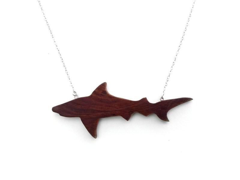 BERMUDA CEDAR TIGER SHARK NECKLACE