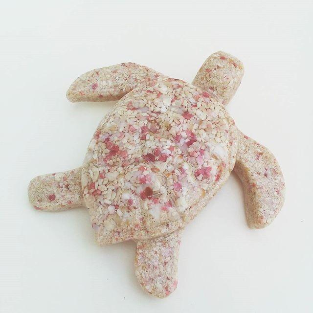 BERMUDA PINK SAND TURTLE ORNAMENT