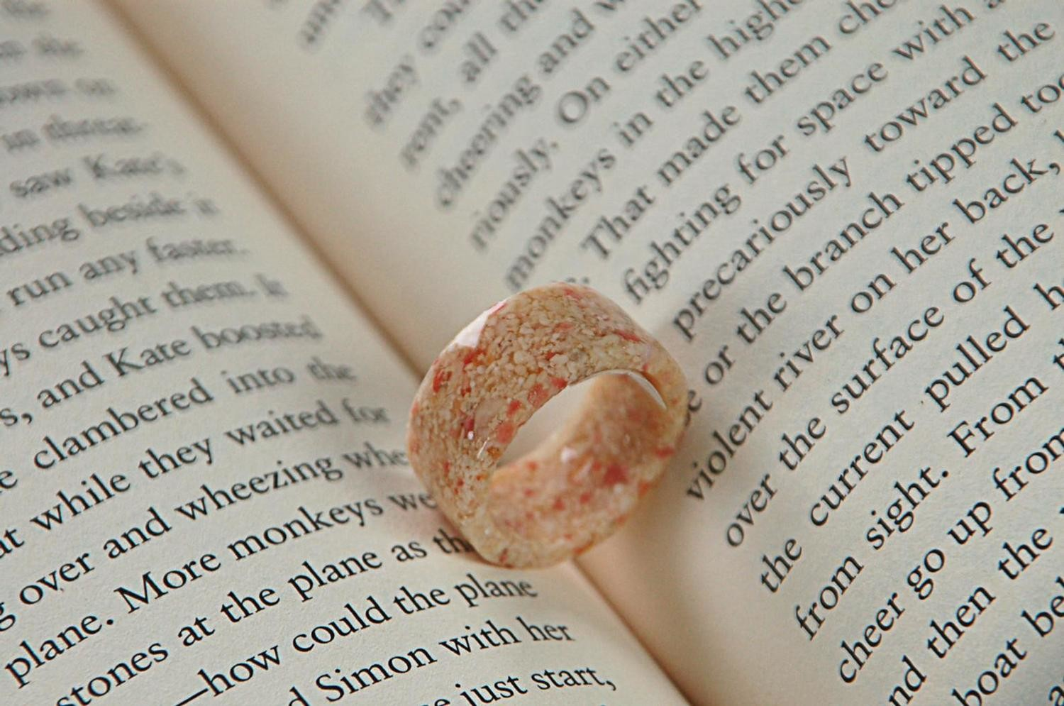 BERMUDA COAST PINK SAND BAND RING