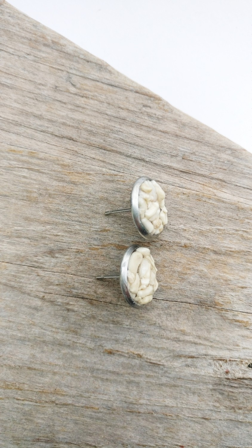 IVORY SAND CORAL STUD EARRINGS