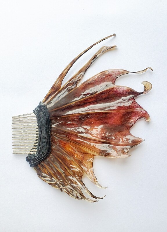 LIONFISH FIN HAIR COMB