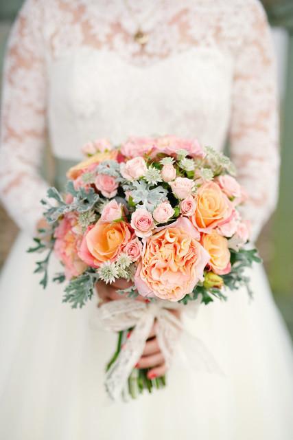 Bridal Bouquet, 1 Bridesmaid Posy & 4 Buttonholes