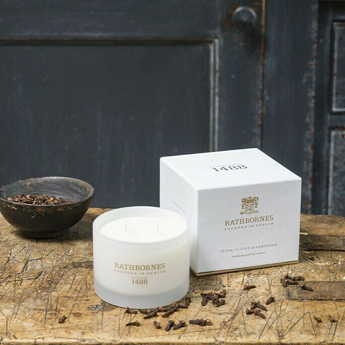 Travel Candle - Cedar, Cloves & Ambergris