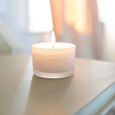 Travel Candle - Cedar, Cloves & Ambergris