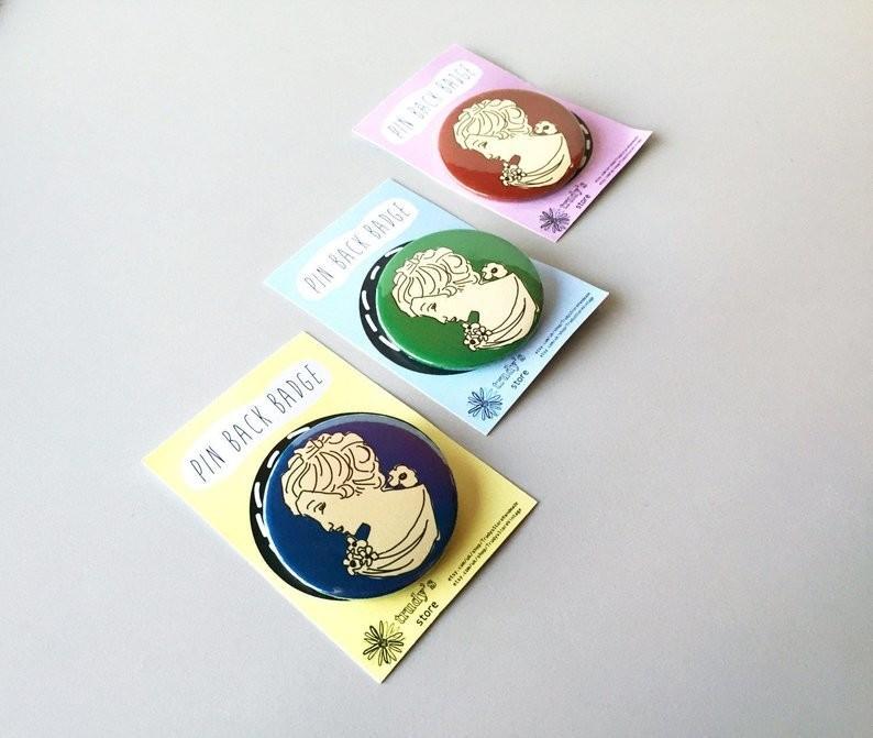 Cameo pin back badge