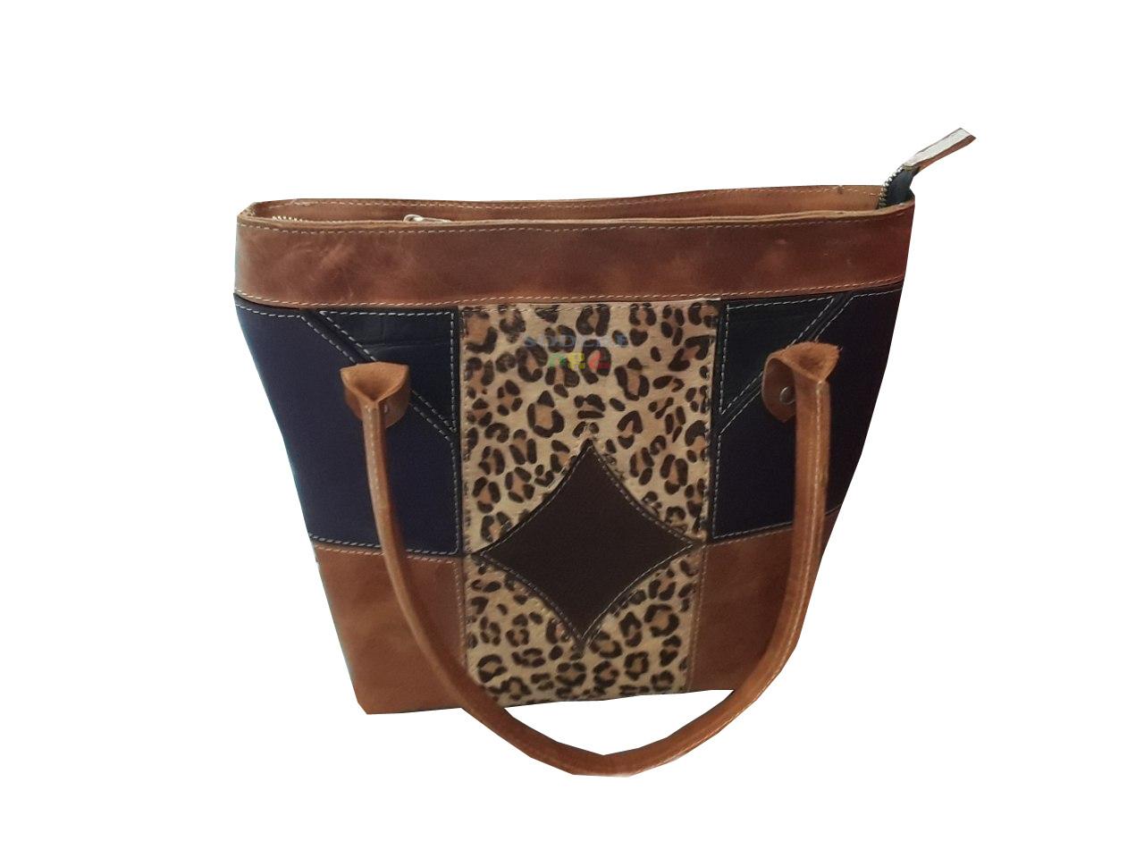በቆዳ የተሰራ የሴቶች የጎን ባርሳ Women Leather Side Bag