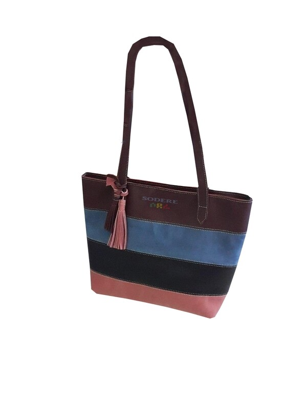 በቆዳ የተሰራ የሴቶች የጎን ባርሳ Women Leather Side Bag