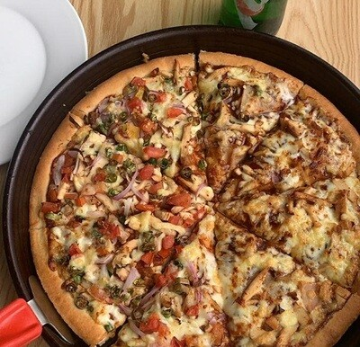 Half Spicy chicken & Half BBQ chicken (Pizza Hut)