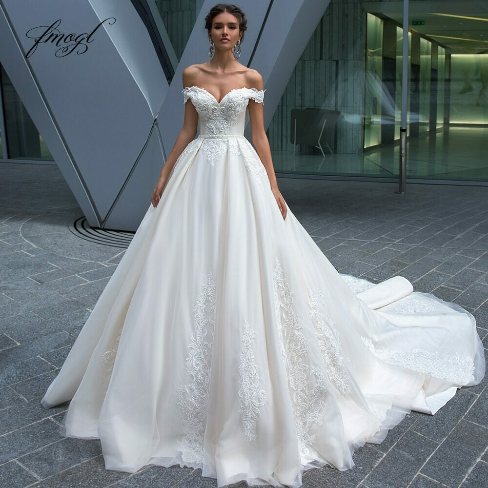 Sashes Wedding-Dresses Vintage Beaded Bridal-Gowns Court-Train Appliques Princess Luxury