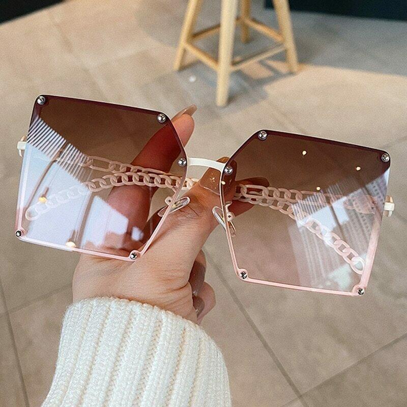 2020 New Fashion Oversize Gradient Sunglasses For Women Vintage Alloy Chain Frame Rivet Square Sun Glasses Female Elegant Shades
