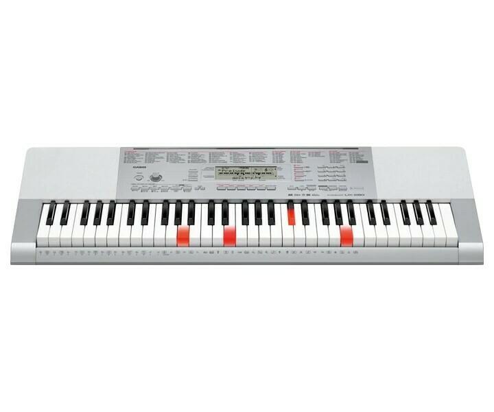 Teclado Portátil, 61 Teclas con Iuminación, USB/MIDI, Casio, Mod. LK-280