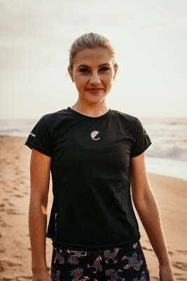 plain black fitted T