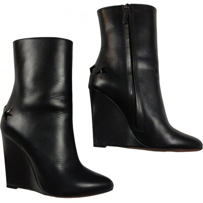 Givenchy Stars ankle boots, size 38,5