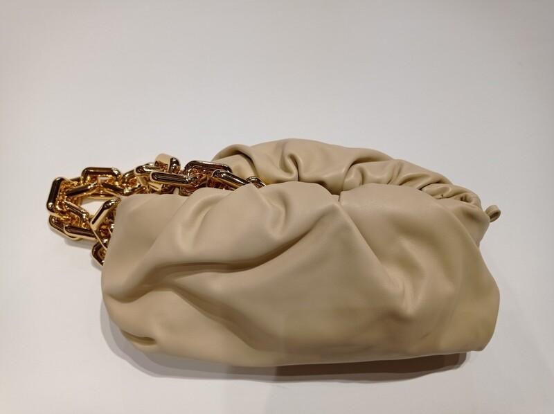 Bottega Veneta CHAIN POUCH LEATHER BAG