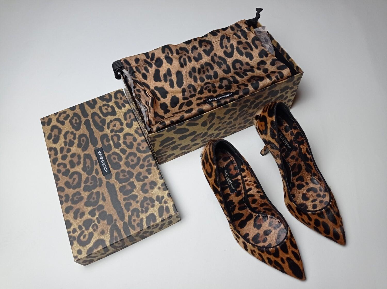 Dolce and Gabbana poni hair heels, 38