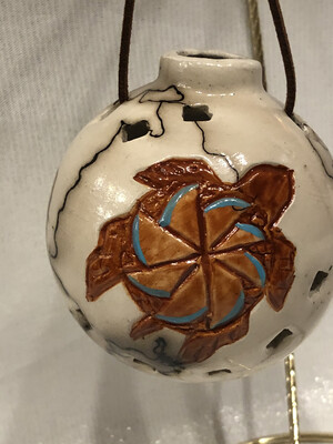 Turtle on Horse Hair Round Ornament