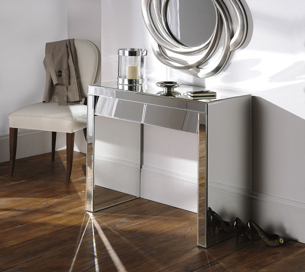 Yearn Mirrored Console Table