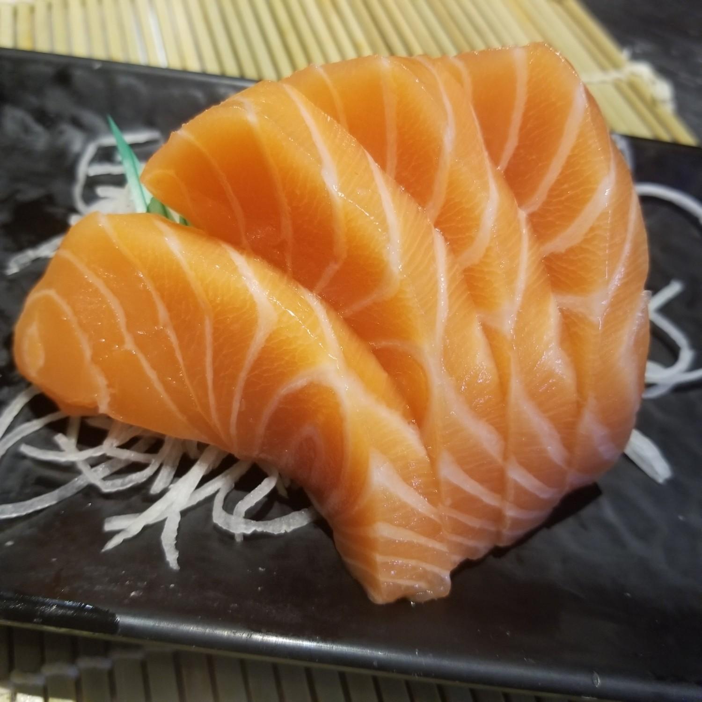 Salmon Sashimi (half)