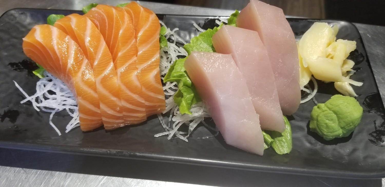 Tuna / Salmon Sashimi