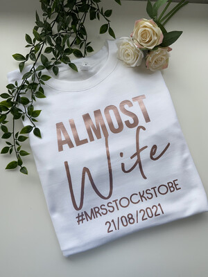 Almost Wife - Sweatshirt/hoodie/snoodie
