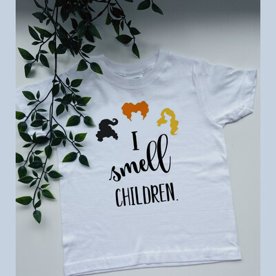 Hocus Pocus I Smell Children Tee