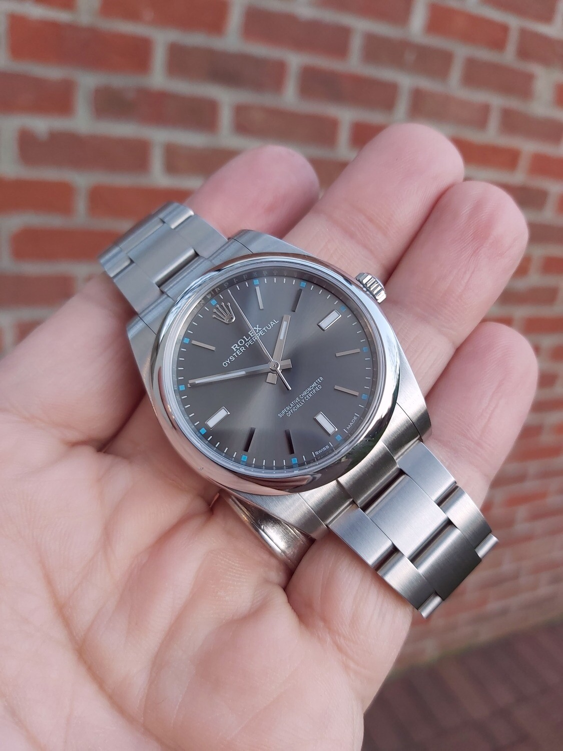 Rolex OYSTER PERPETUAL 39mm Rhodium Dial 114300 2017