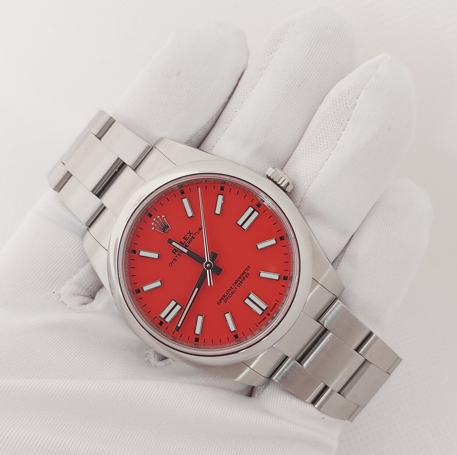 Rolex Oyster Perpetual 41 - 124300 - Coral Red - Full Set
