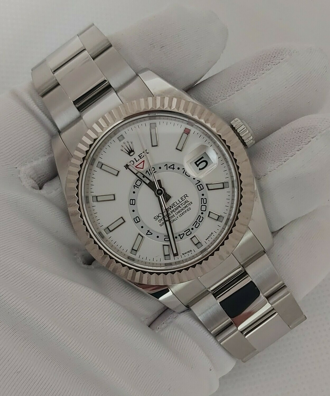 Rolex Sky Dweller 326934 - 2018 - White Dial - Full Set
