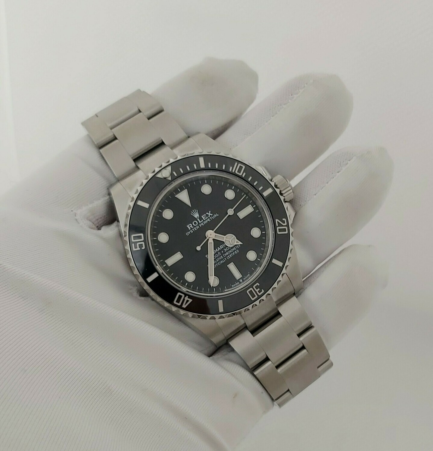 Rolex Submariner 124060 - 2021 Full Set - Unworn
