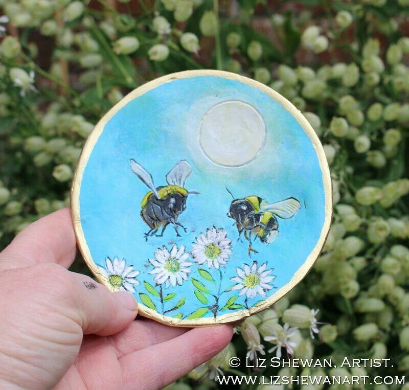 Bumble Bee Daisy Trinket Dish | Miniature Painting