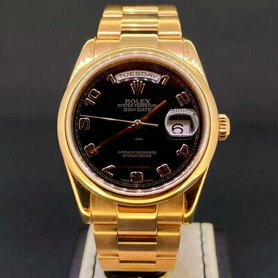 Rolex Day-Date 36MM 18K Rose Gold Black Dial Oyster Bracelet B&P2005 Very Good Condition.