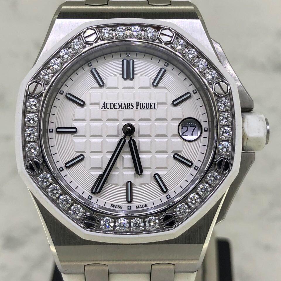 Audemars Piguet Royal Oak Offshore 37MM Steel/White Rubber   Factory Diamonds Bezel   Quartz - Unpolished