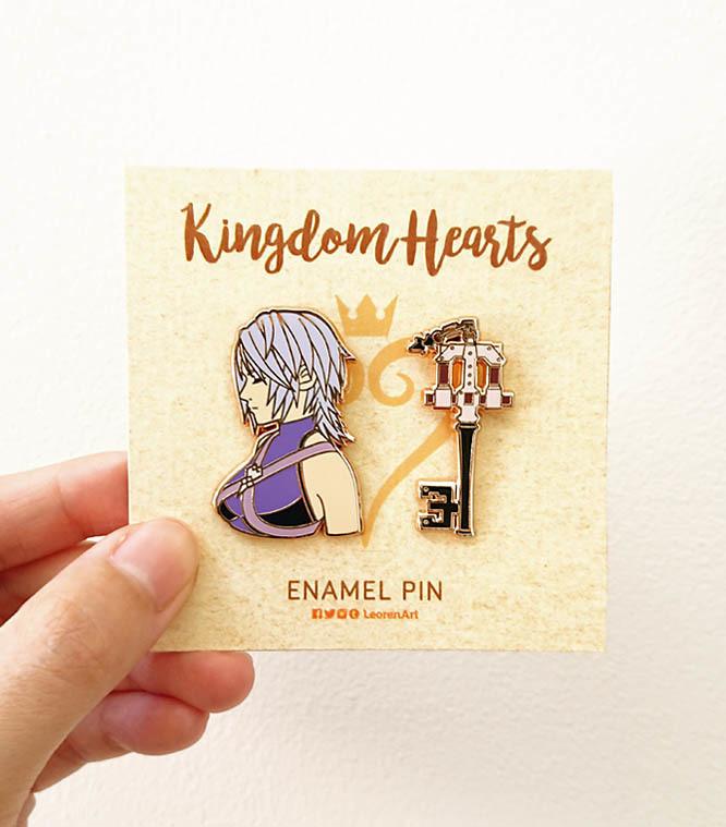 Kingdom Hearts - Aqua + Keyblade - Hard enamel pin