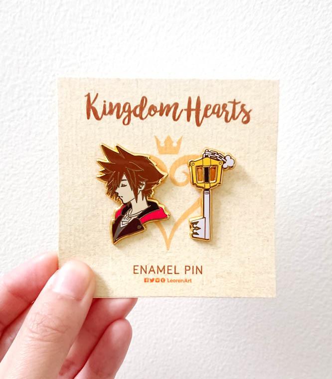 Kingdom Hearts - Sora + Keyblade - Hard enamel pin