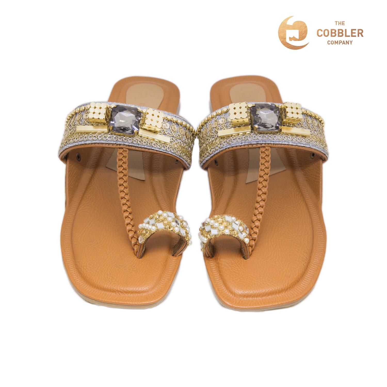 Vintage Gold Kolhapuris