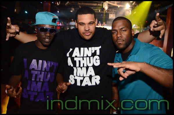 """I AINT A THUG IMA STAR"" - T-Shirt"