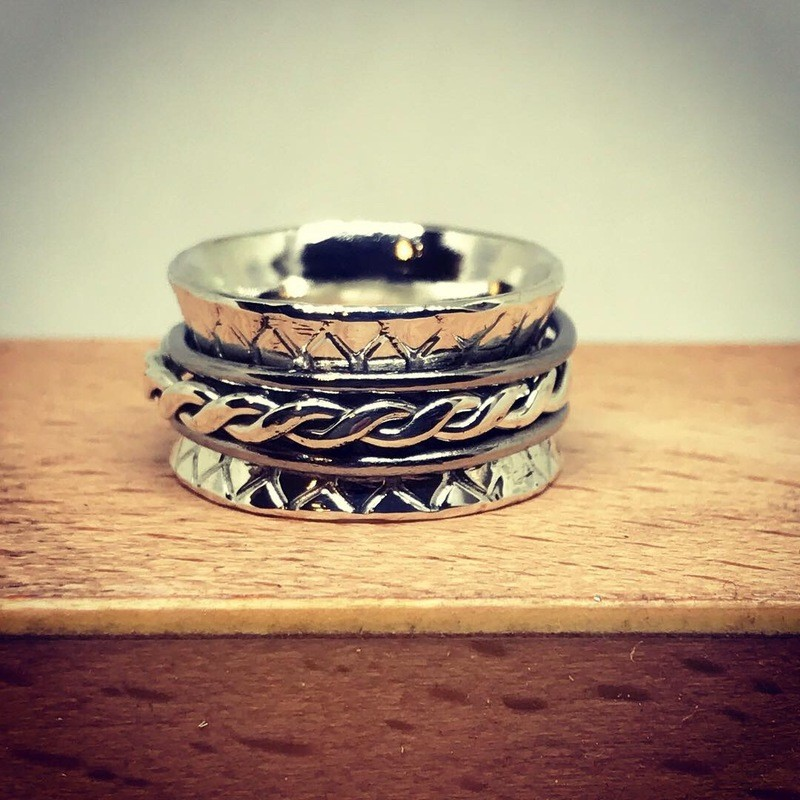 Anticlastic Ring size 7