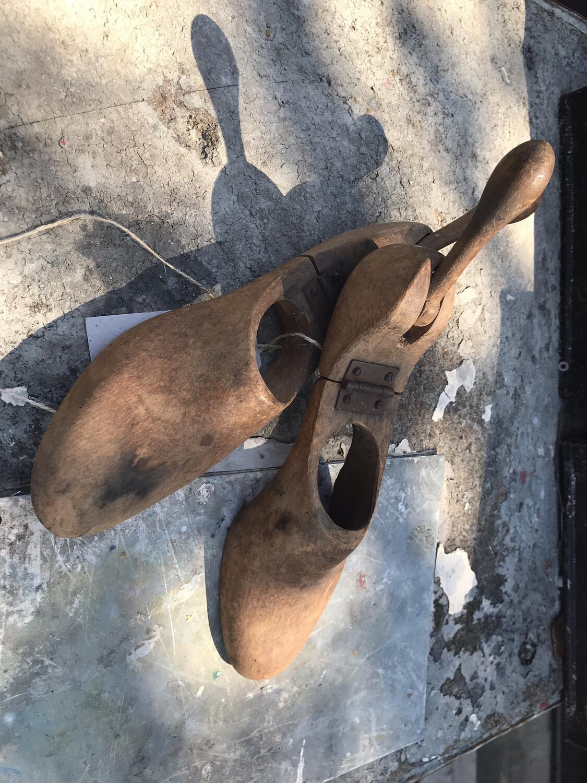 Oude houten schoenmallen
