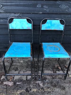 Metalen stoeltjes