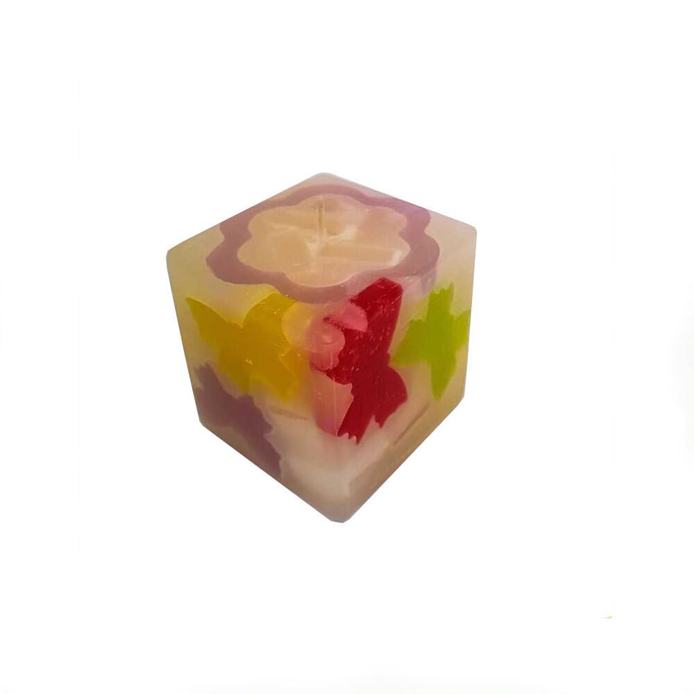 Lumanare decorativa Cub Fluturi, parfumata, multicolor