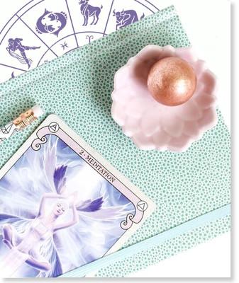 Tarot Reading with Urania
