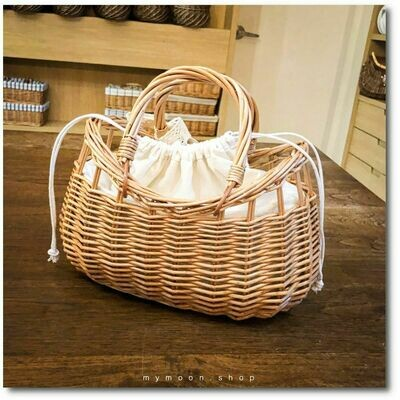 Willow woven bag curved mouth