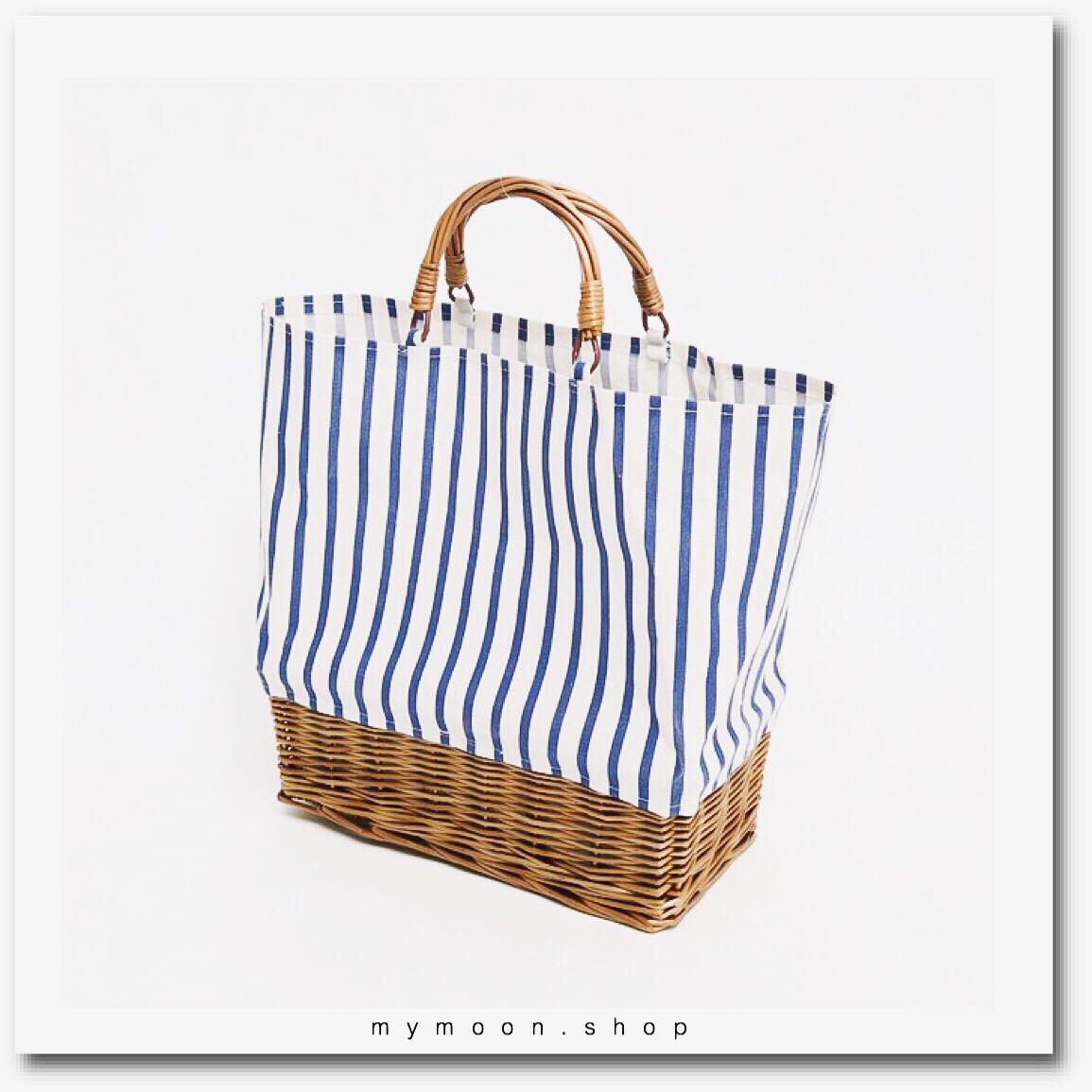Willow Woven bag combination with fabric stitching ลายริ้วขาวน้ำเงิน