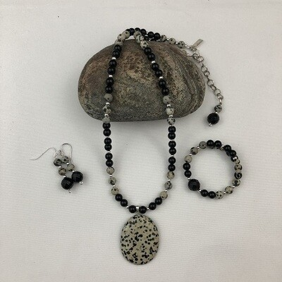 Dalmation Agate & Onyx Necklace & Earring Set
