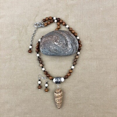 Agate Necklace & Earring Set