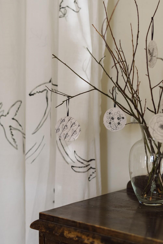 3 Natural White Ornaments