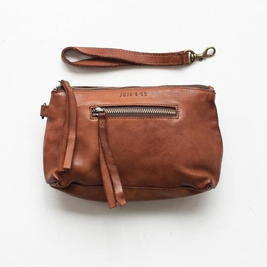 Small Leather Essential Pouch - Cognac