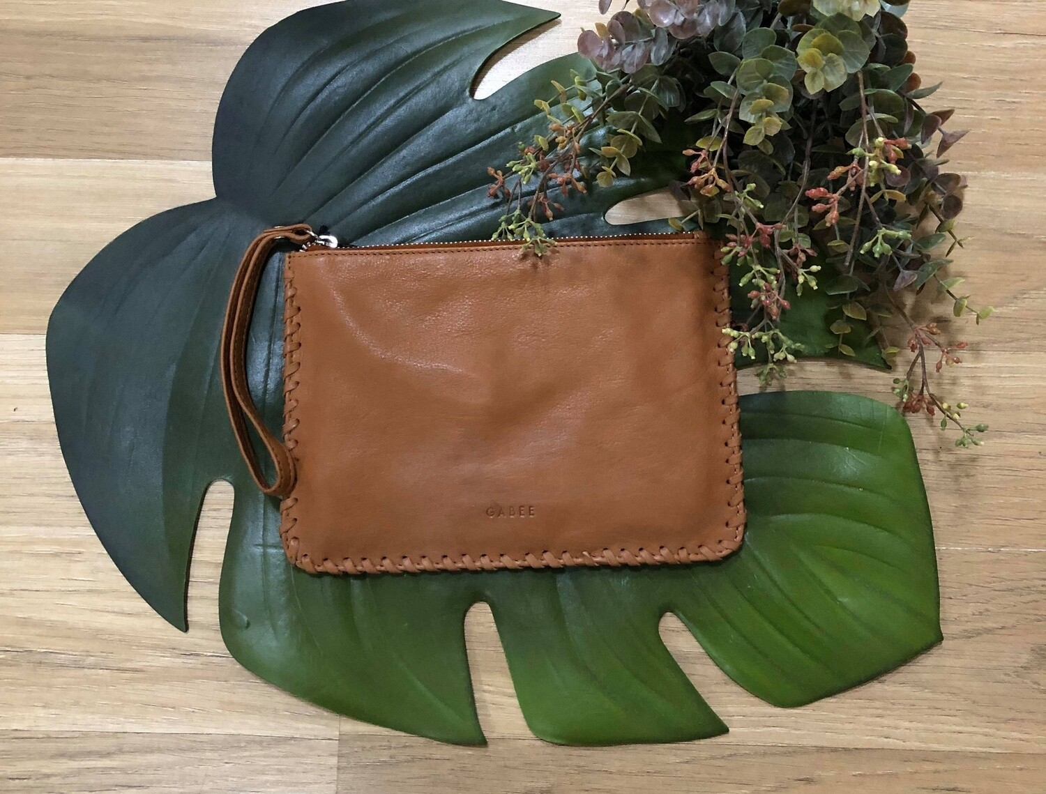 Staten Leather Pouch Tan