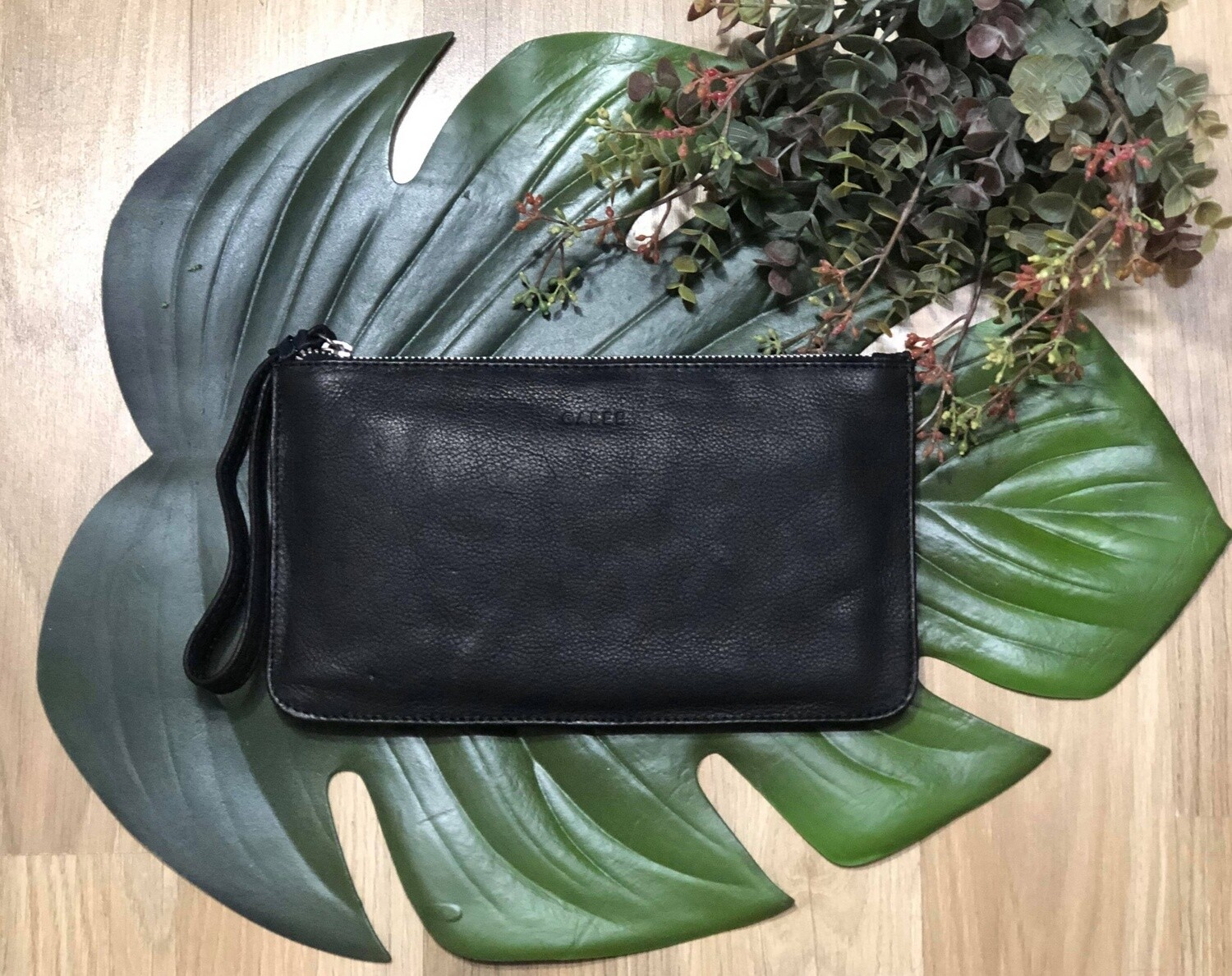 Mercer Soft Leather Pouch Black